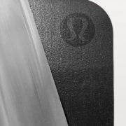 lululemon un mat 1,5mm whiteblack2